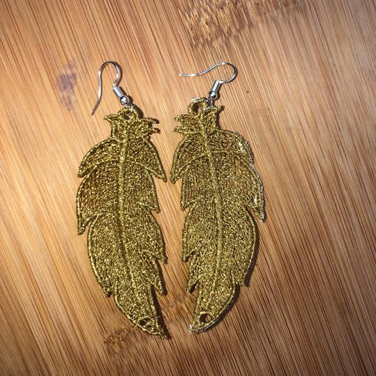 Handcrafted Embroidered Lace Feather Earrings Image 7