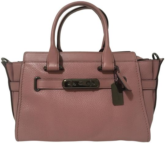 Preload https://img-static.tradesy.com/item/25110541/coach-swagger-pebbled-handbag-dusty-rose-leather-shoulder-bag-0-1-540-540.jpg