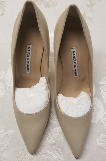 Manolo Blahnik Bb Pointy Toe Heels Napa Leather Beige Pumps Image 2
