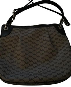 d02907d690 Michael Kors Hobo Bags - Up to 70% off at Tradesy