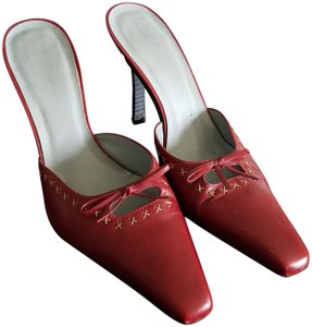 BCBGMAXAZRIA Cranberry Red Mules