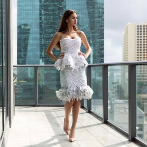 Blue/Gray Feather/Polyester/Crystal Wedding/Couture Handmade Modern Wedding Dress Size 2 (XS)