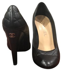 6393f57682e Chanel Shoes on Sale - Up to 70% off at Tradesy