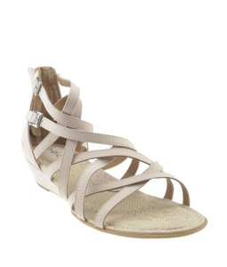 2dc9f5fabf5 B.O.C. Sandals - Up to 90% off at Tradesy