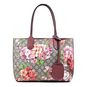 abd18836c86 Gucci Gg Blooms Small Reversible Dry Rose Supreme Canvas/ Leather ...