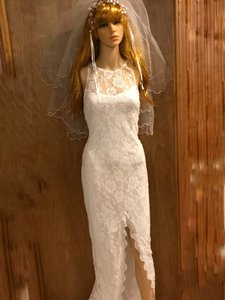 White Summer Time Sexy Wedding Dress Size 8 (M)