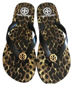 b46881af5 Tory Burch Flip Flops - Up to 70% off at Tradesy