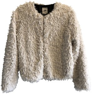 c945a8cb2c Vans Faux Fur Chic Cozy Eye Catching Extra White Jacket