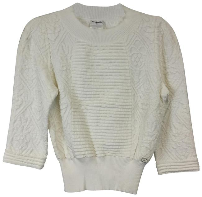 Preload https://img-static.tradesy.com/item/25114629/chanel-textured-knit-size-6-white-sweater-0-1-650-650.jpg