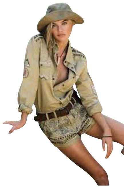 Preload https://img-static.tradesy.com/item/25115073/spell-and-the-gypsy-collective-taupe-wanderer-shorts-set-jacket-size-12-l-0-2-650-650.jpg