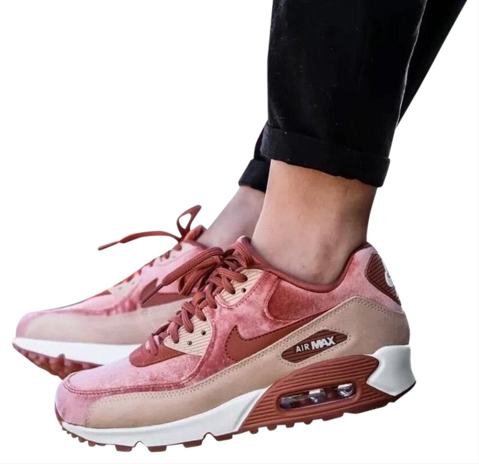 14b2e74405a5 Nike Women's Air Max 90 Lx Velvet A Retro Inspired Amped Up For Today with  Suede Insets and Grooved Sneakers