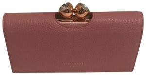 cff4a79ea3d1 Ted Baker Wallets - Up to 70% off at Tradesy (Page 2)