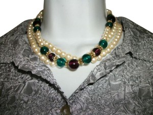 1928 1928 Faux pearls necklace 3 strands