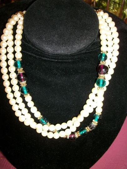 1928 1928 Faux pearls necklace 3 strands Image 1