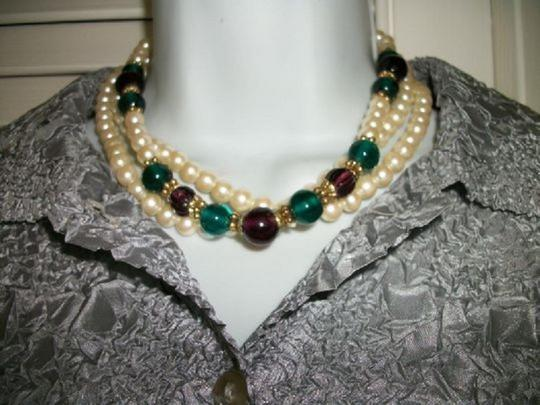 1928 1928 Faux pearls necklace 3 strands Image 2