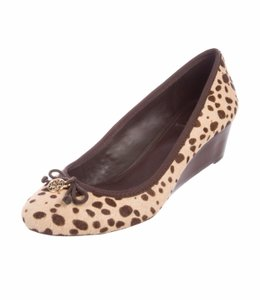 b247ab9a0 Tory Burch Wedges on Sale - Up to 70% off at Tradesy