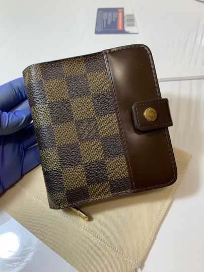 Louis Vuitton Damier Compact wallet with duster Image 6