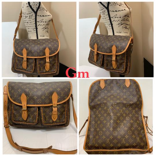 Preload https://img-static.tradesy.com/item/25122688/louis-vuitton-gibeciere-gm-shoulder-monogram-canvas-cross-body-bag-0-0-540-540.jpg