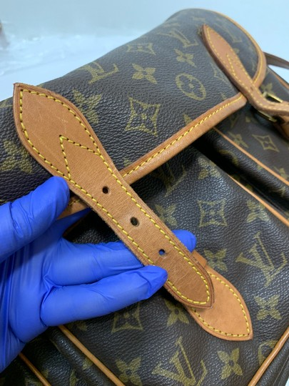 Louis Vuitton Cross Body Bag Image 11