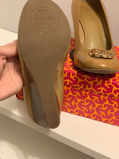 Tory Burch sand Wedges Image 1