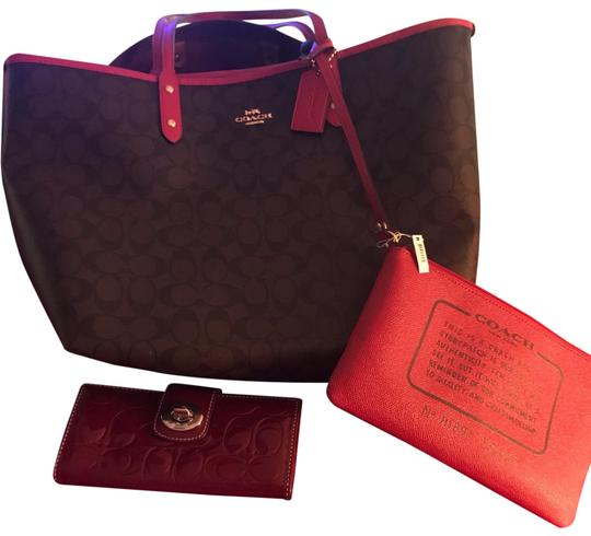 Preload https://img-static.tradesy.com/item/25123450/coach-with-make-up-and-wallet-red-leather-tote-0-1-540-540.jpg