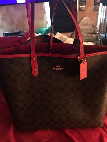Coach Tote in Red Image 7