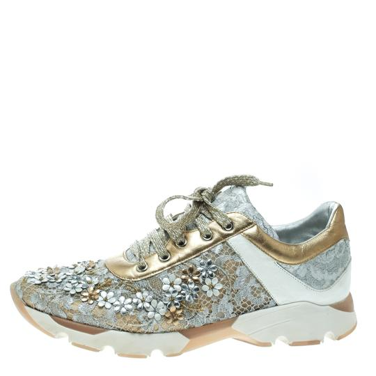Preload https://img-static.tradesy.com/item/25123562/rene-caovilla-metallic-beigewhite-lace-flower-embellished-lace-up-sneakers-flats-size-eu-39-approx-u-0-0-540-540.jpg
