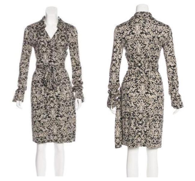 Preload https://item4.tradesy.com/images/diane-von-furstenberg-black-and-tan-billy-jean-silk-paisley-print-collared-mid-length-workoffice-dre-25123883-0-2.jpg?width=400&height=650