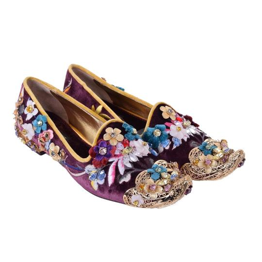 Preload https://img-static.tradesy.com/item/25123953/dolce-and-gabbana-purple-gold-velvet-crystal-loafers-jasmine-flats-size-eu-37-approx-us-7-regular-m-0-0-540-540.jpg