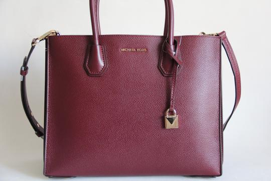 Michael Kors Mercer Leather Accordion Tote in Brown Image 1