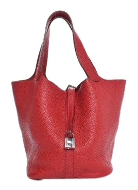 Item - Picotin Taurilon Clemence 22mm Red Calfskin Leather Hobo Bag