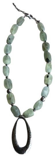 Preload https://img-static.tradesy.com/item/25125571/silpada-green-quartz-and-sterling-silver-n1805-necklace-0-1-540-540.jpg