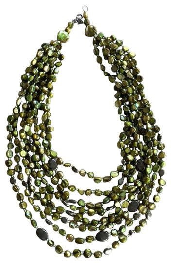 Preload https://img-static.tradesy.com/item/25125620/silpada-green-and-sterling-silver-n1814-necklace-0-1-540-540.jpg