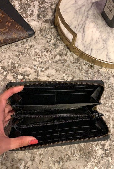 Gucci Pebbled Leather Wallet Image 2