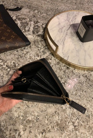 Gucci Pebbled Leather Wallet Image 3