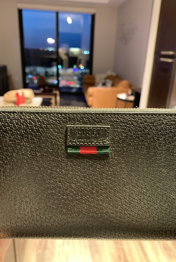 Gucci Pebbled Leather Wallet Image 5