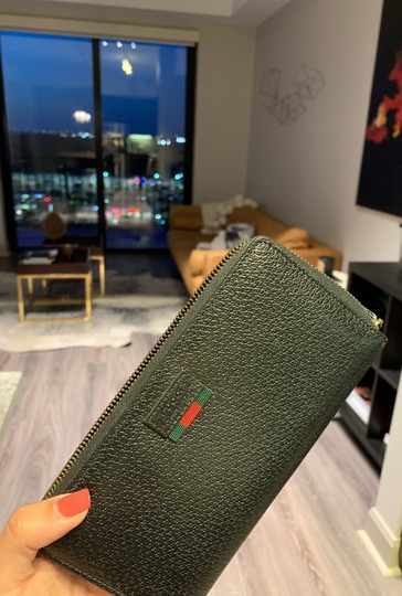 Gucci Pebbled Leather Wallet Image 6