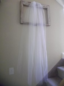 White Medium Waltz New Bridal Veil