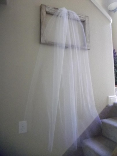 White Medium Waltz New Bridal Veil Image 4