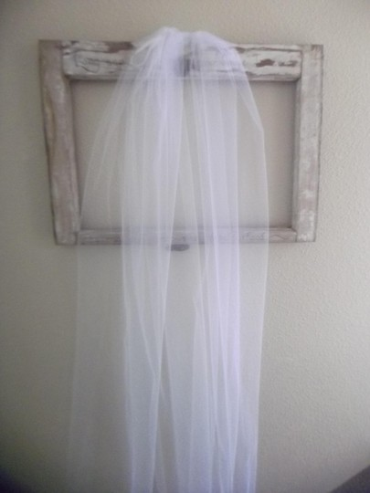 White Medium Waltz New Bridal Veil Image 5