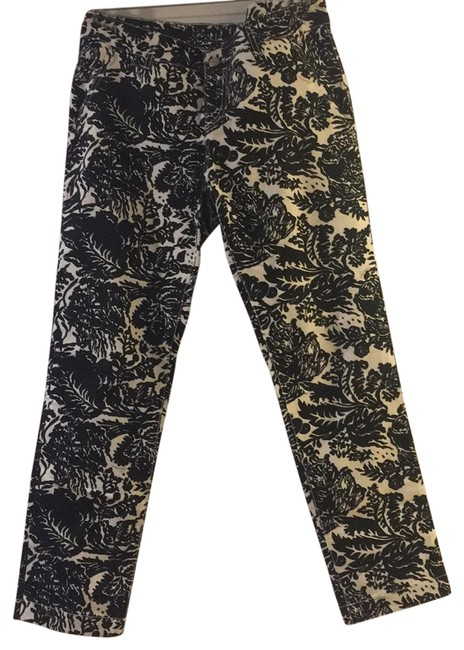 Preload https://img-static.tradesy.com/item/25127894/gucci-print-black-and-white-floral-pants-size-6-s-28-0-1-650-650.jpg