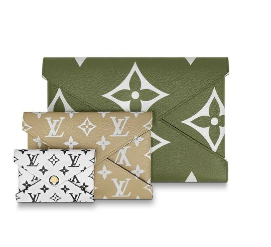 Preload https://img-static.tradesy.com/item/25128289/louis-vuitton-pochette-kirigami-limited-giant-set-of-three-envelope-870430-green-coated-canvas-clutc-0-0-540-540.jpg