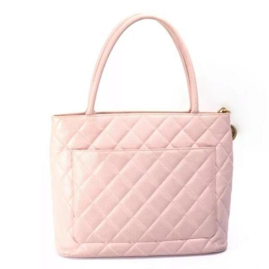 Chanel Tote in Pink Image 2