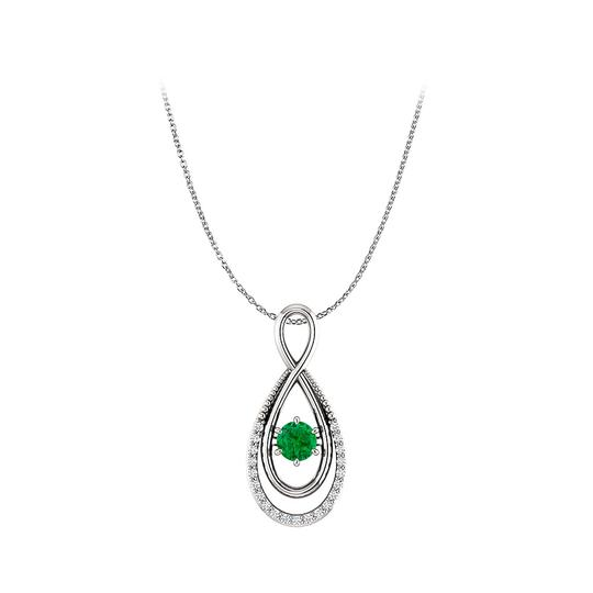 Preload https://img-static.tradesy.com/item/25129049/green-natural-diamonds-and-emerald-infinity-style-pendant-necklace-0-0-540-540.jpg