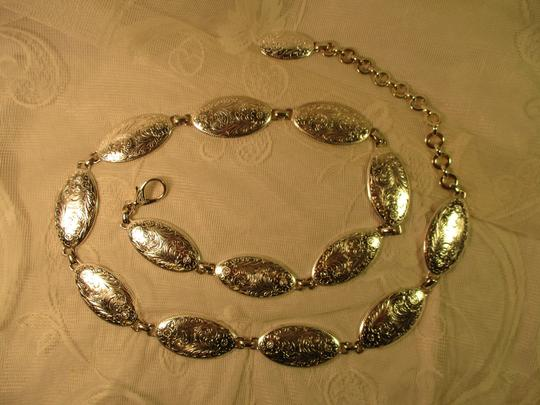 other etched silver metal chain Image 10
