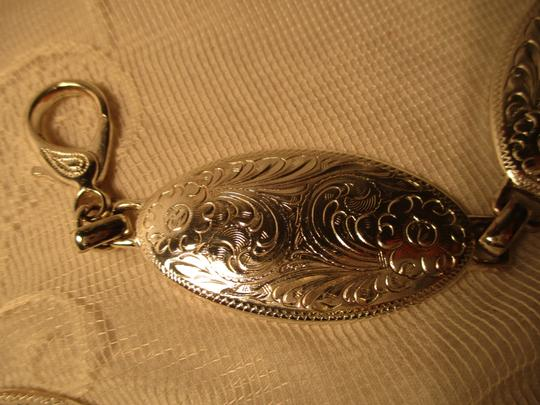 other etched silver metal chain Image 3