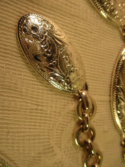 other etched silver metal chain Image 7