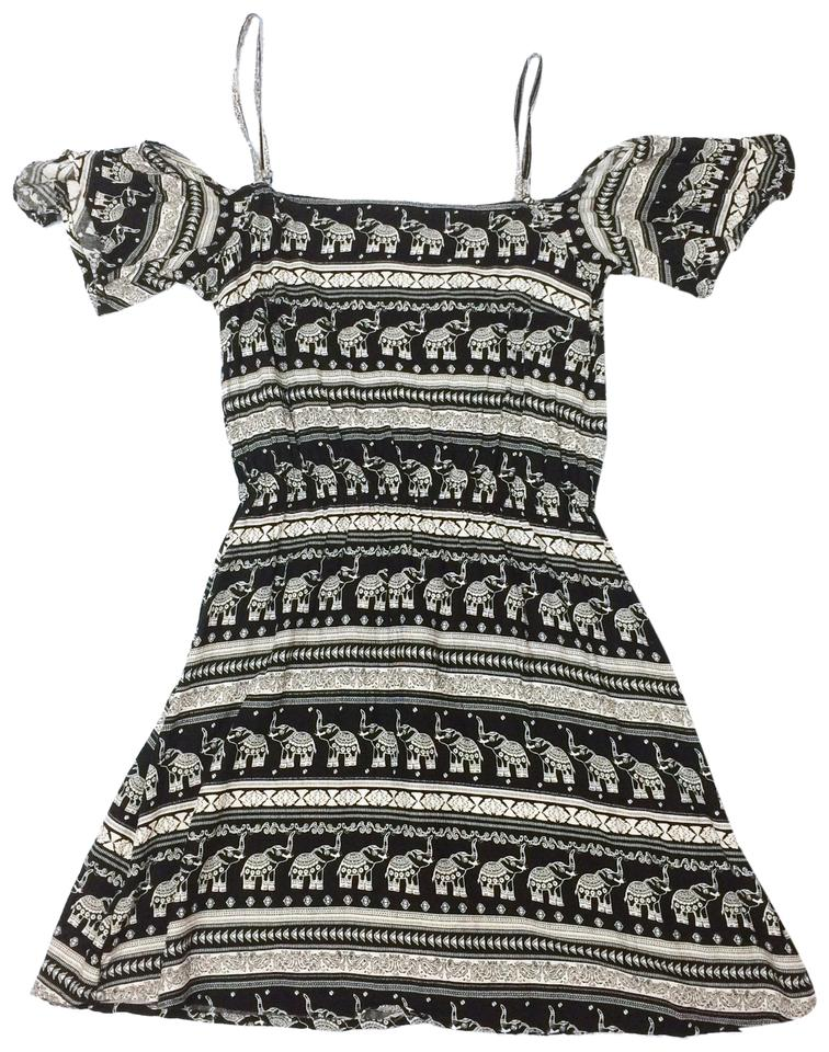 fcb23a6c6eee H&M Black and White Coachella Collection Short Casual Dress Size 0 ...