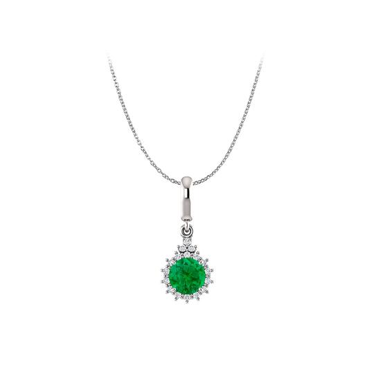 Preload https://img-static.tradesy.com/item/25129275/green-natural-emerald-and-diamonds-round-pendant-white-gold-necklace-0-0-540-540.jpg