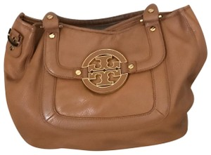 8c07b031d737 Tory Burch Hobos on Sale - Up to 70% off at Tradesy